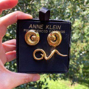 VTG ANNE KLEIN Gold Tone Earrings Brooch